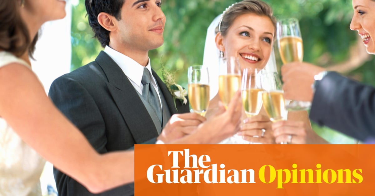 How Much Should You Spend On A Wedding Gift Life And Style The