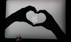 Apple CEO Tim Cook presents the new MacBook Air.