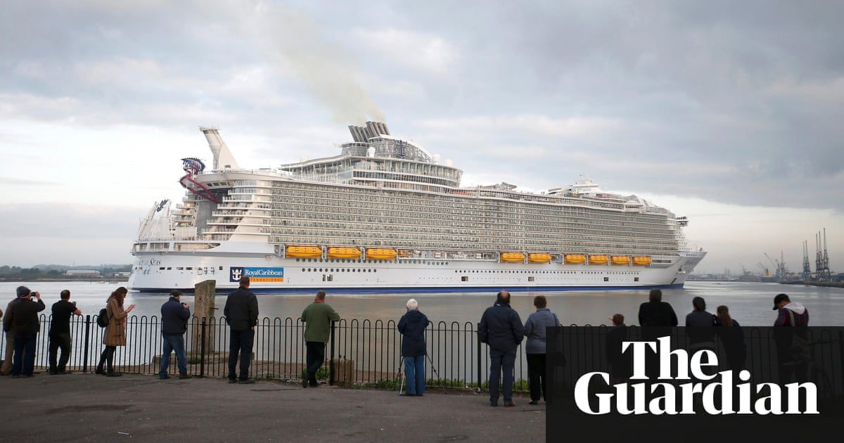 The Worlds Largest Cruise Ship And Its Supersized Pollution - Largest cruise ship engines