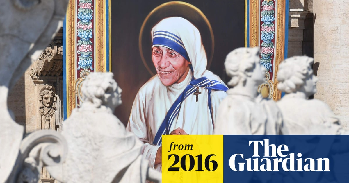 Pope Francis canonises Mother Teresa before St Peter's