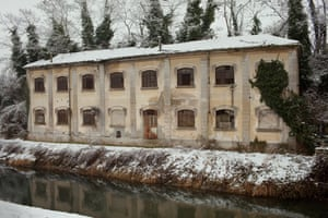 The Eternit factory building used to drain the water collected from the canal running below it