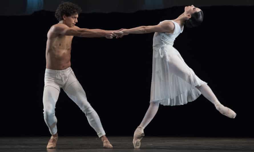 Tamara Rojo and Isaac Hernández performing in 2017