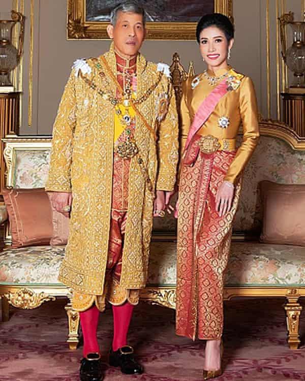 Sineenat Wongvajirapakdi with King Maha Vajiralongkorn