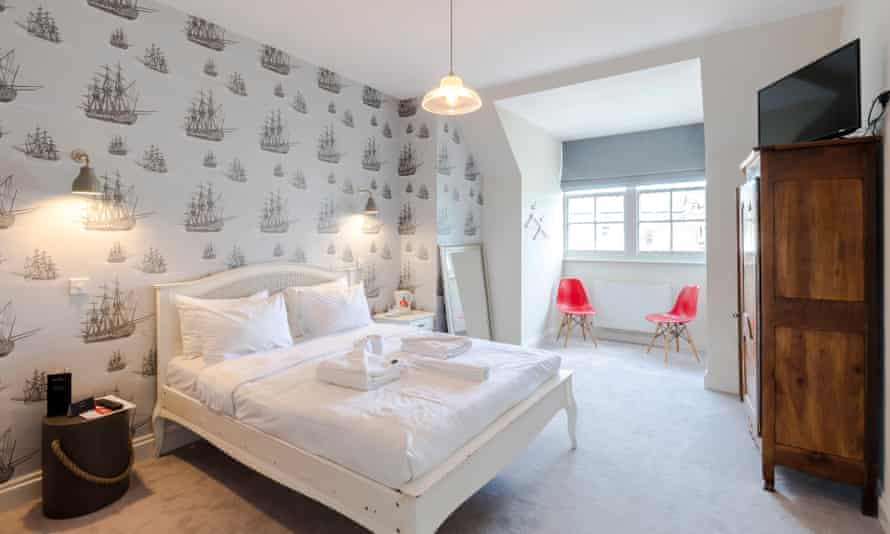 Double bedroom at The William IV, Kensal Green, NW10