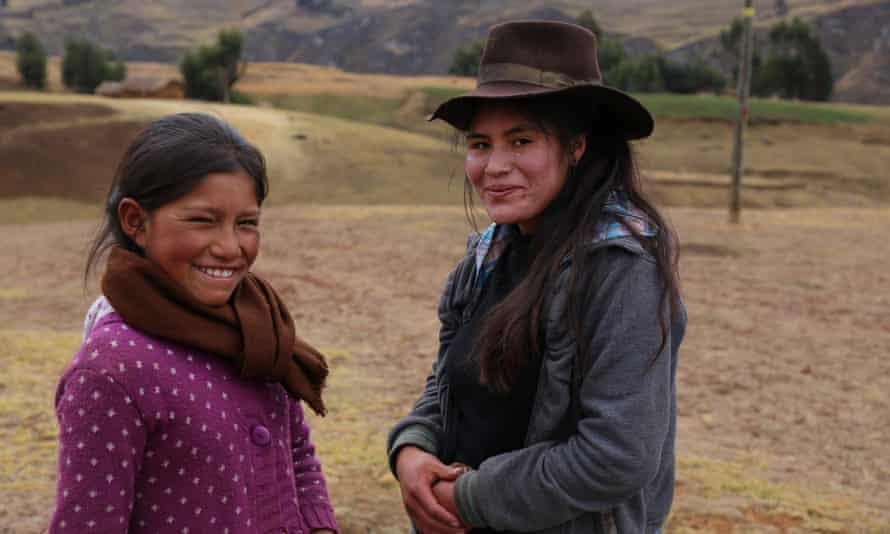Quechua young women along the route of the Inca Royal Road.