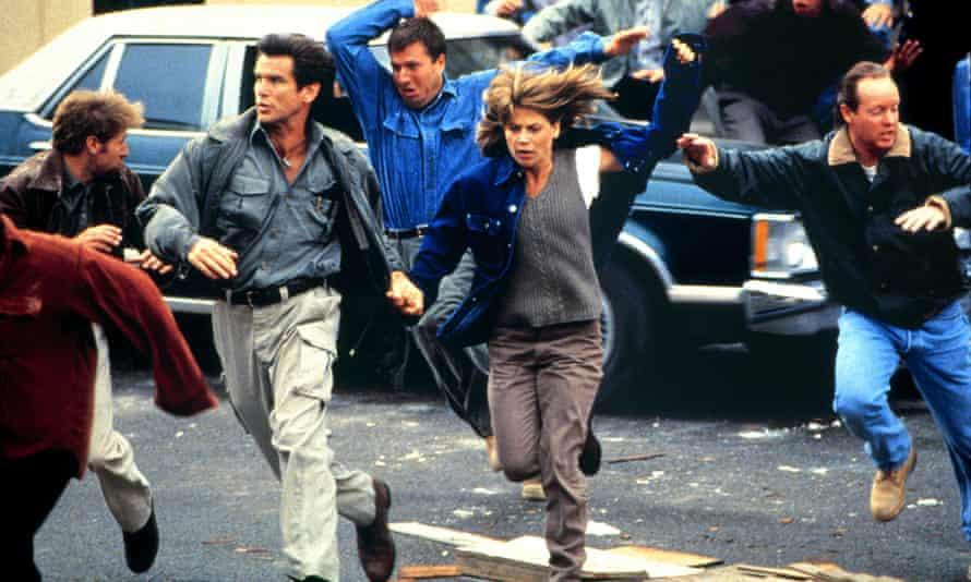 Explosive… Pierce Brosnan and Linda Hamilton at Dante's Peak.