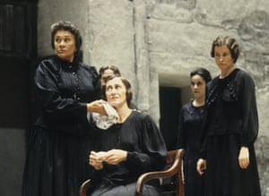 Joan Plowright as La Poncia with Julie Legrand, Amanda Root and Deborah Findlay in The House of Bernarda Alba in 1987.