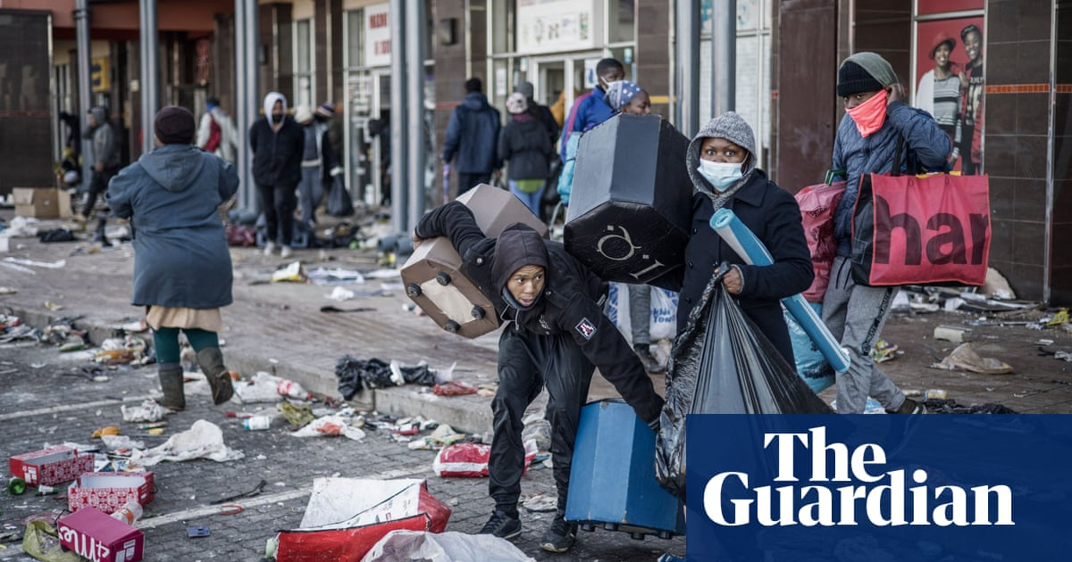 South Africa grapples with unrest as looting and violence continue – video