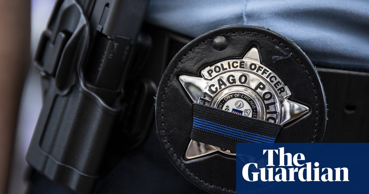 Chicago to investigate into officer who confronted Black woman walking dog