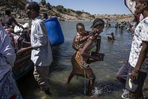 Refugees in Hamdayet, eastern Sudan, 1 December