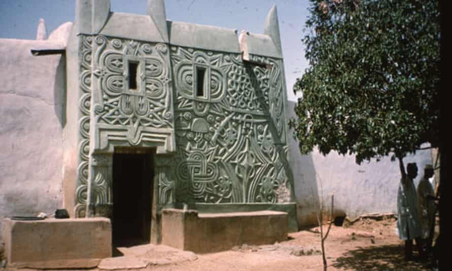 A house decorated in vernacular style in Kano, Nigeria. Perhaps Paul Oliver's greatest love was the art and architecture of sub-Saharan Africa.