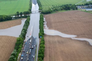 Flooding from the river Loire strands vehicles on the A10 highway near Orléans