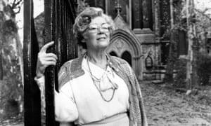 Dorothy Dunnett.