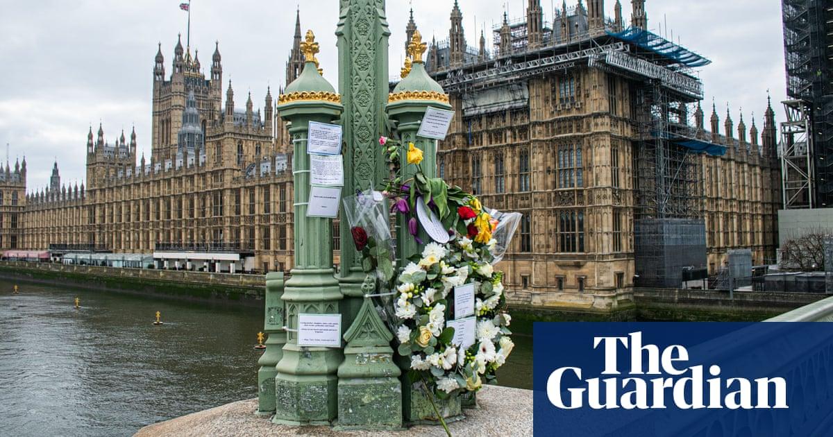 London Bridge inquest: officers describe 'scene of devastation'