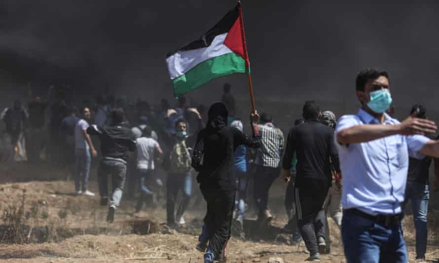 Palestinian protesters near the Gaza-Israel border in May 2018