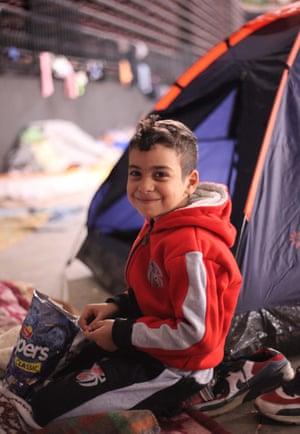 雅典跆拳道体育场内的难民。