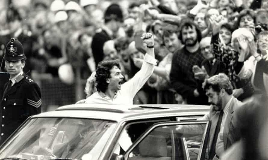 Gerry Conlon after he was freed at the Old Bailey in 1989.