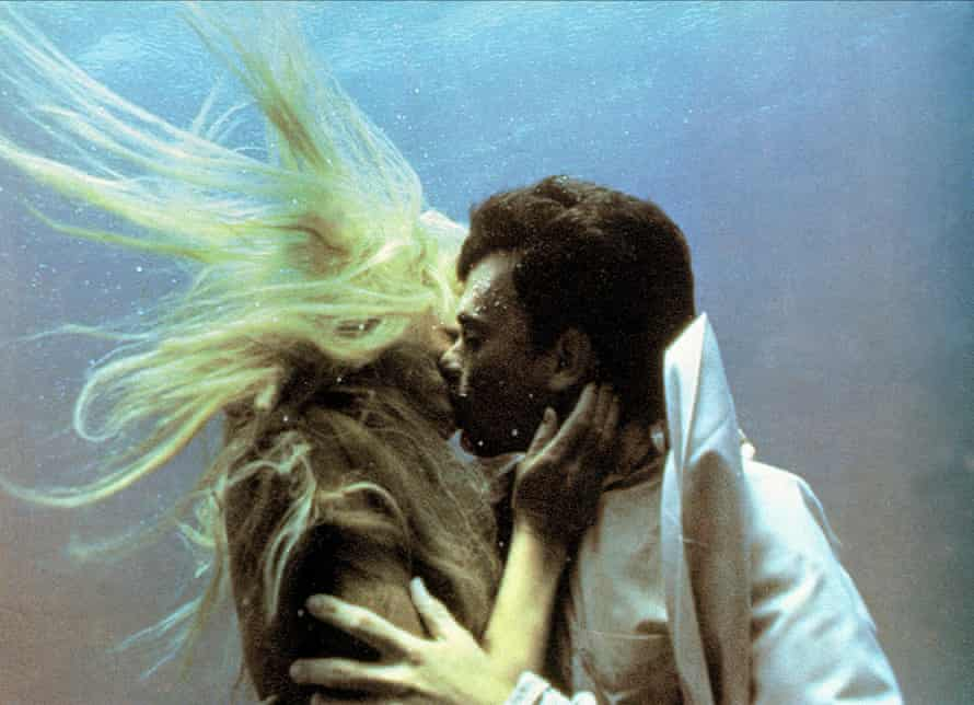 Daryl Hannah and Tom Hanks in Splash.
