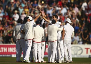 Finn celebrates with team mates after taking Johnson.<br>Stumps on day two – Australia are 168-7, leading by 23 runs