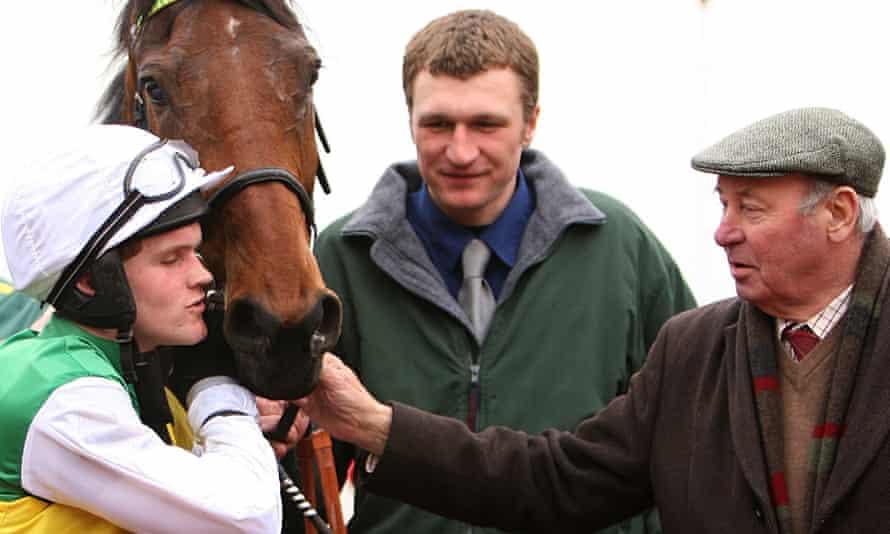 Trevor Hemmings, right, jockey Tony McCoy, in Hemmings signature colors, and horse Albertas Run, 2008.