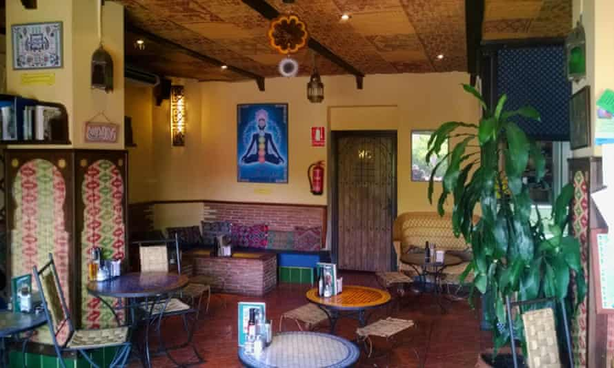 Moorish-design interior at restaurant Tetería Baraka, La Alpujarra, Andalucía.