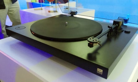 Sony's new turntable - PS-HX500 which goes on sale in April