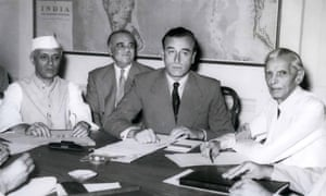 Jawaharlal Nehru (far left), Lord Mountbatten (centre), Muhammad Ali Jinnah (right) discuss partition in 1947.
