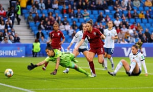 The ball goes just wide of Vanina Correa's post as Jodie Taylor and Aldana Cometti look on.