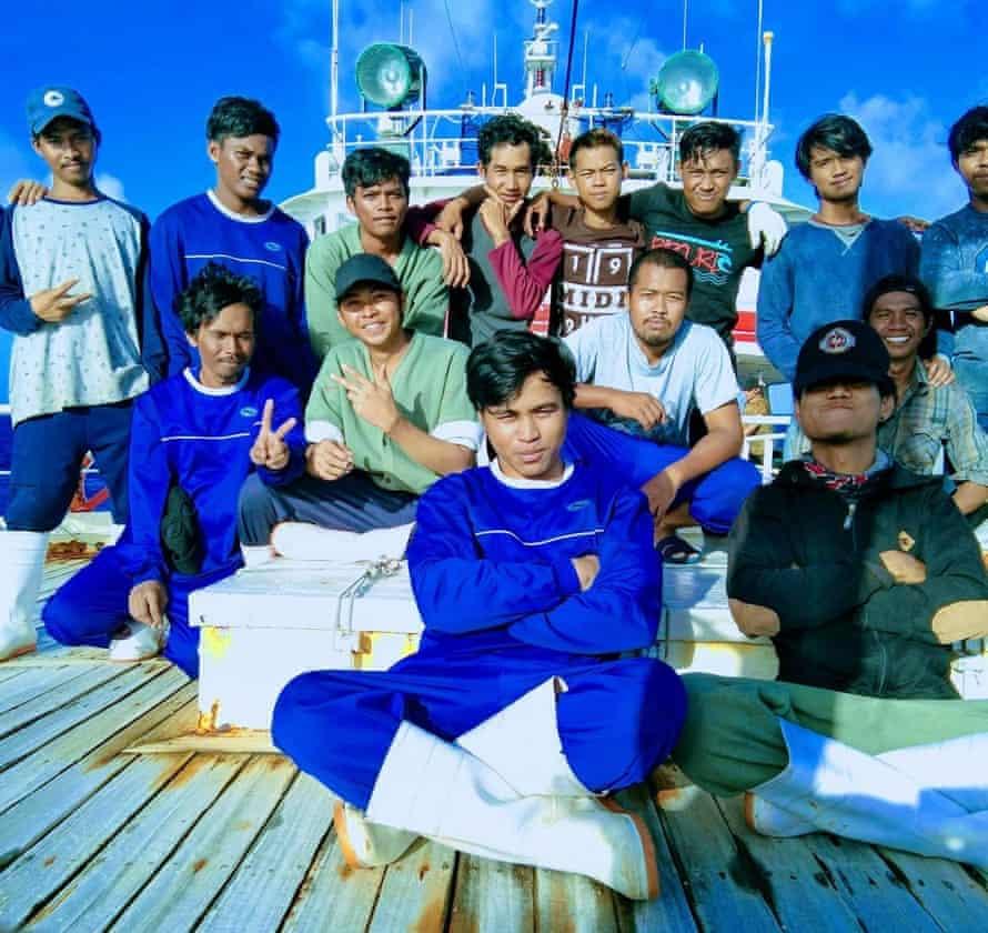 Crew members of Long Xing 629