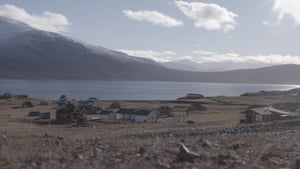 The modern settlement was founded in 1783 by Norwegian/Danish trader and administrator Anders Olsen and his Greenlander wife Tuperna.