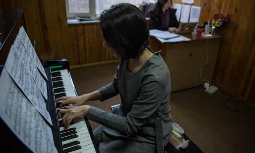 Maram Abdallah, 18, a pianist