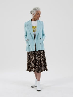 48879b6320d4 pale blue and white checked pattern blazer Essential-Antwerp, white t-shirt  with