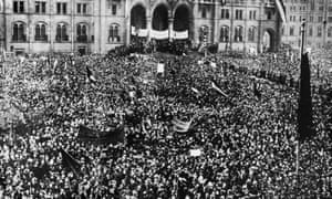 A large crowd gathers before the parliament of Budapest to celebrate Hungary's proclamation of independence, 17 November 1918.