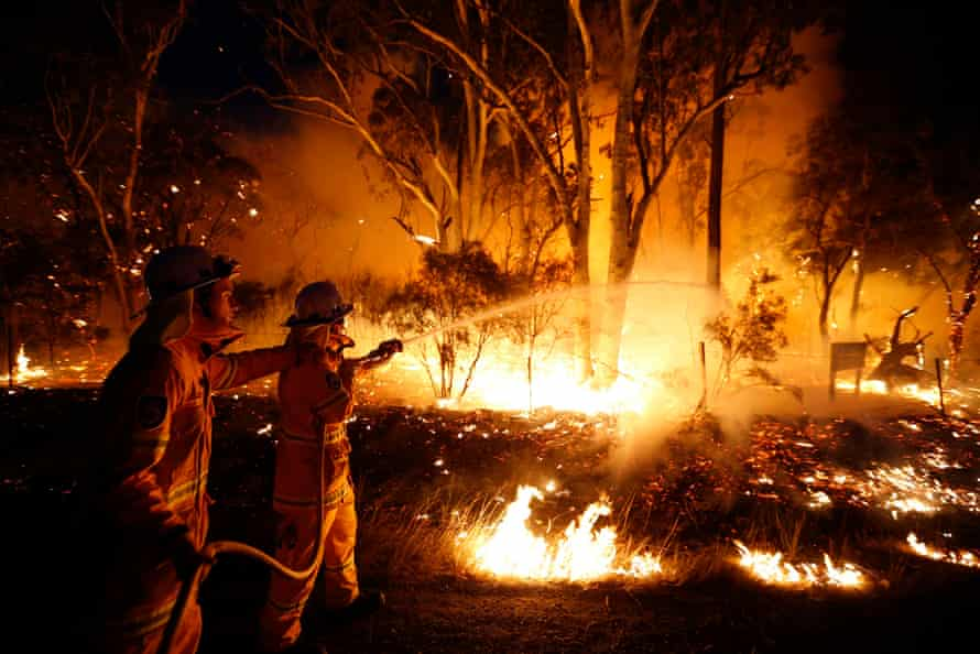 Firefighters at a 2013 bushfire.