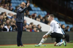 Ross Barkley listens intensely to his Everton Manager Roberto Martinez as he issues instructions.