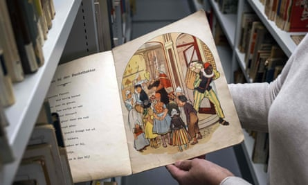A book with Sinterklaas and Zwarte Piet in an Amsterdam library.