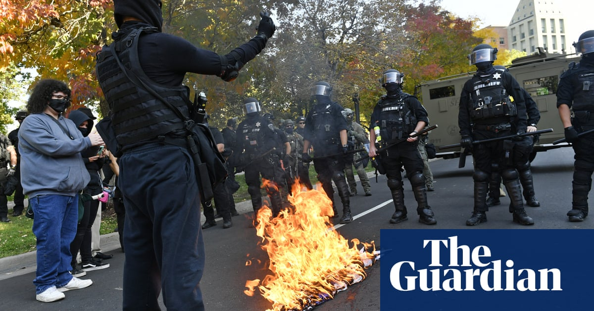 Man shot dead in Denver during rival left and rightwing protests – The Guardian