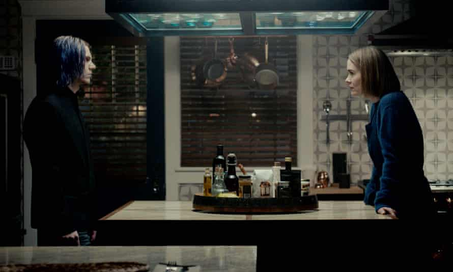Evan Peters and Sarah Paulson in American Horror Story.