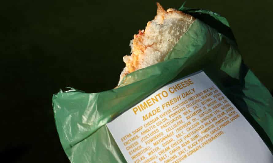 ساندویچ پنیر pimento معروف آگوستا.