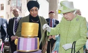 The Queen cuts her 90th birthday cake with Bake Off winner Nadiya Hussain