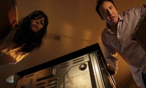 Selma Blair and Nicolas Cage in Mom and Dad.