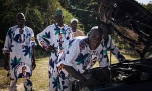 Supporters of President Paul Biya