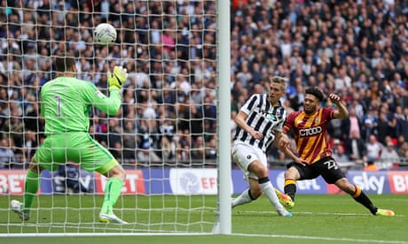 Steve Morison fires Millwall past Bradford and into the Championship