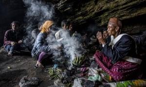 Tenggerese shaman praying