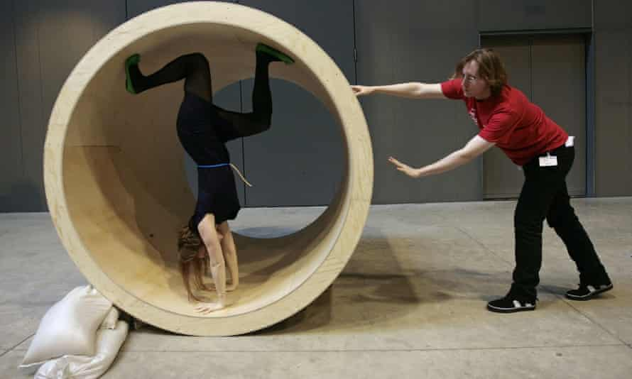 Bodyspacemotionthings by Robert Morris at Tate Modern in 2009.