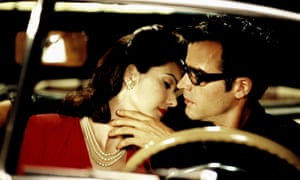 Laura Harring and Justin Theroux in Mulholland Drive (2001).