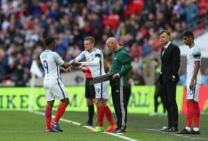 Vardy comes on for Defoe.