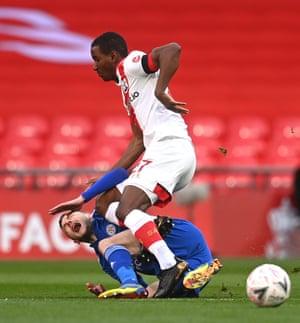 Diallo of Southampton fouls Vardy
