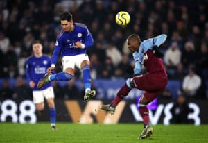 Leicester City's Ayoze Perez (left) and West Ham United's Angelo Ogbonna battle for the ball.