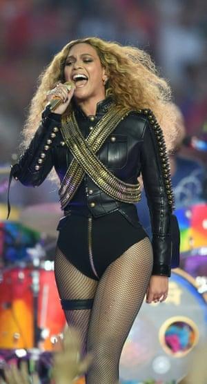 A Black-Panthered Beyoncé at the Superbowl.